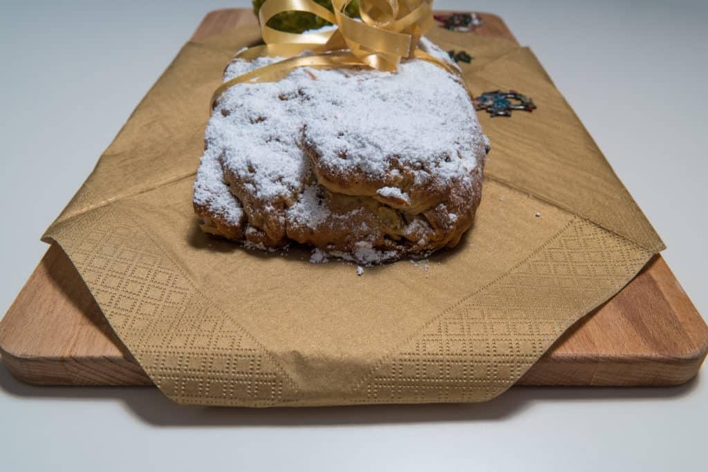 Das fertige Christstollen Rezept für Weihnachten