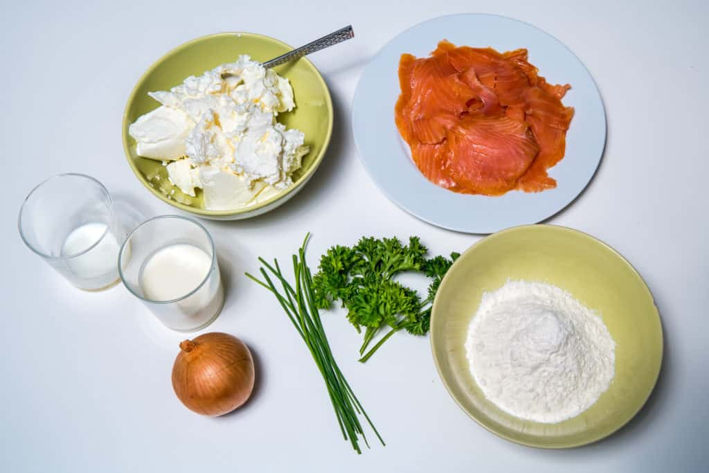 Sämtliche Zutaten für das Lachsroulade mit Frischkäse Rezept