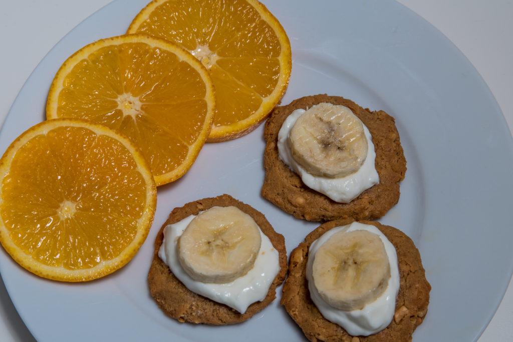 Das fertige Low-carb Erdnussbutterkekse mit Quark Rezept