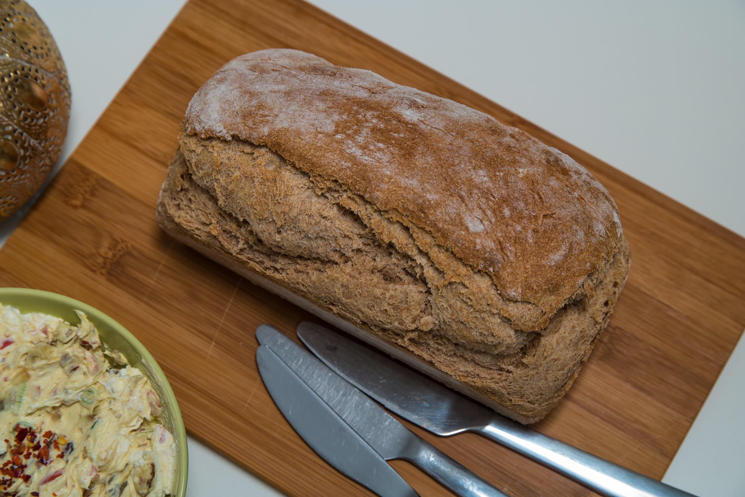 Brot mit Vollkorn- und Dinkelmehl Rezept