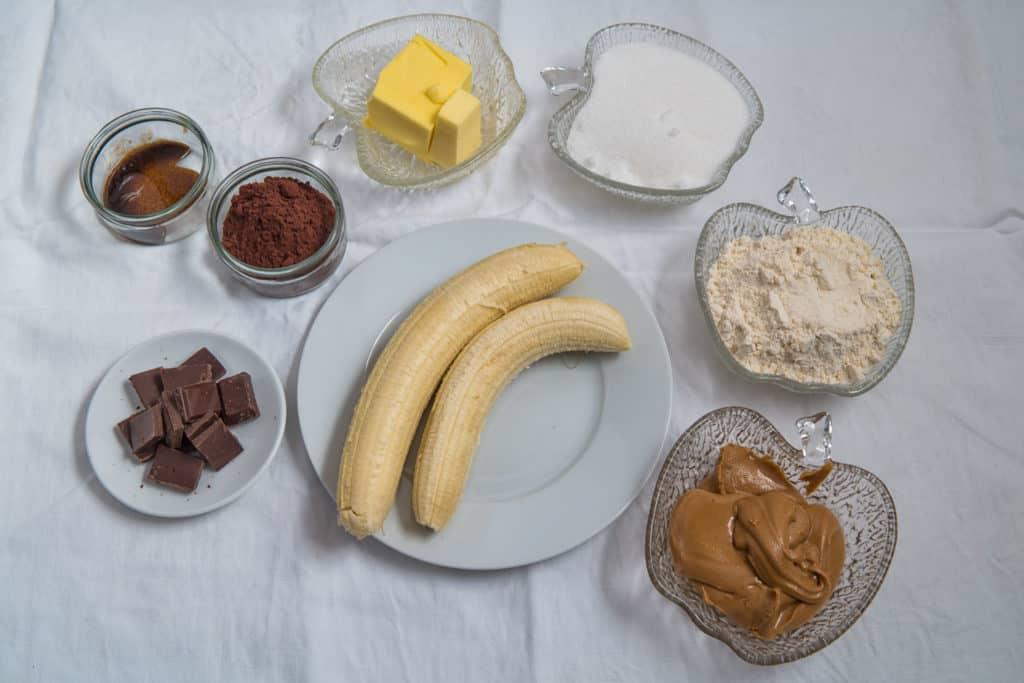 Zutaten für das Brownies mit Banane und Erdnussbutter Rezept