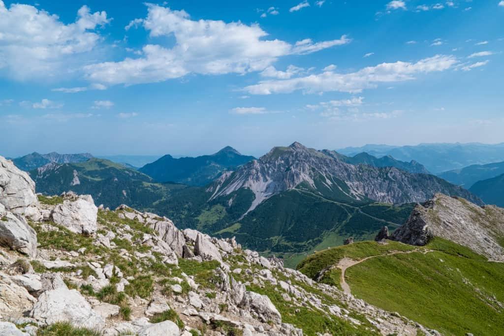 Der Fürstin-Gina-Weg, ein Teil der Augstenberg Wanderung