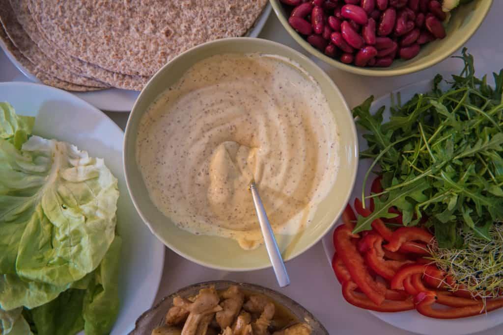 Zutaten für das Lachs und Ei mit Senfmayo Wrap Rezept