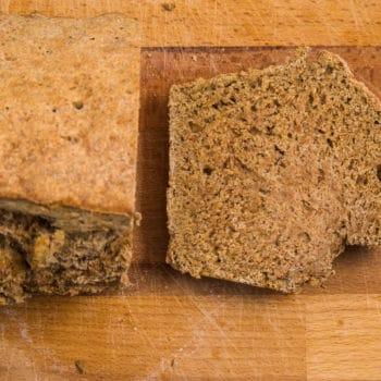Das fertige Ale-Brot ohne Hefe Rezept