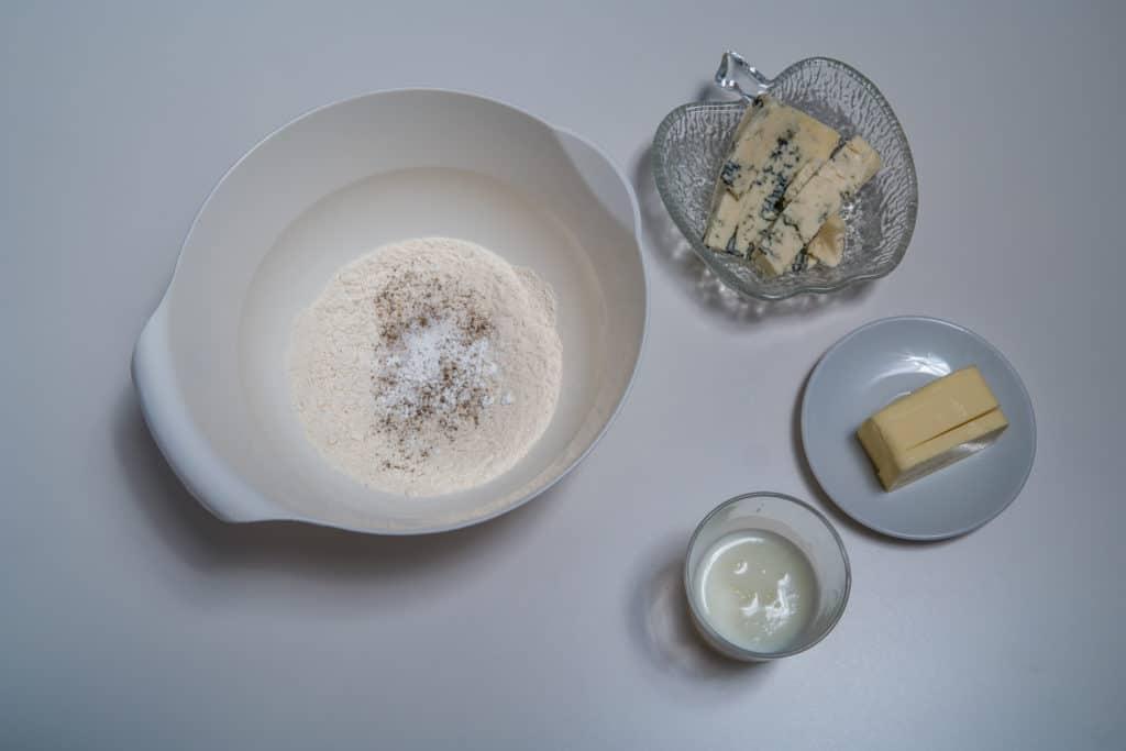 Zutaten für den Mürbeteig des Apfel und Gorgonzola Törtchen Rezepts