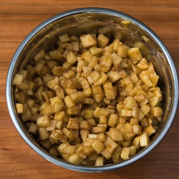 Zubereitung des Apfelküchlein aus der Eiswürfelform Rezepts