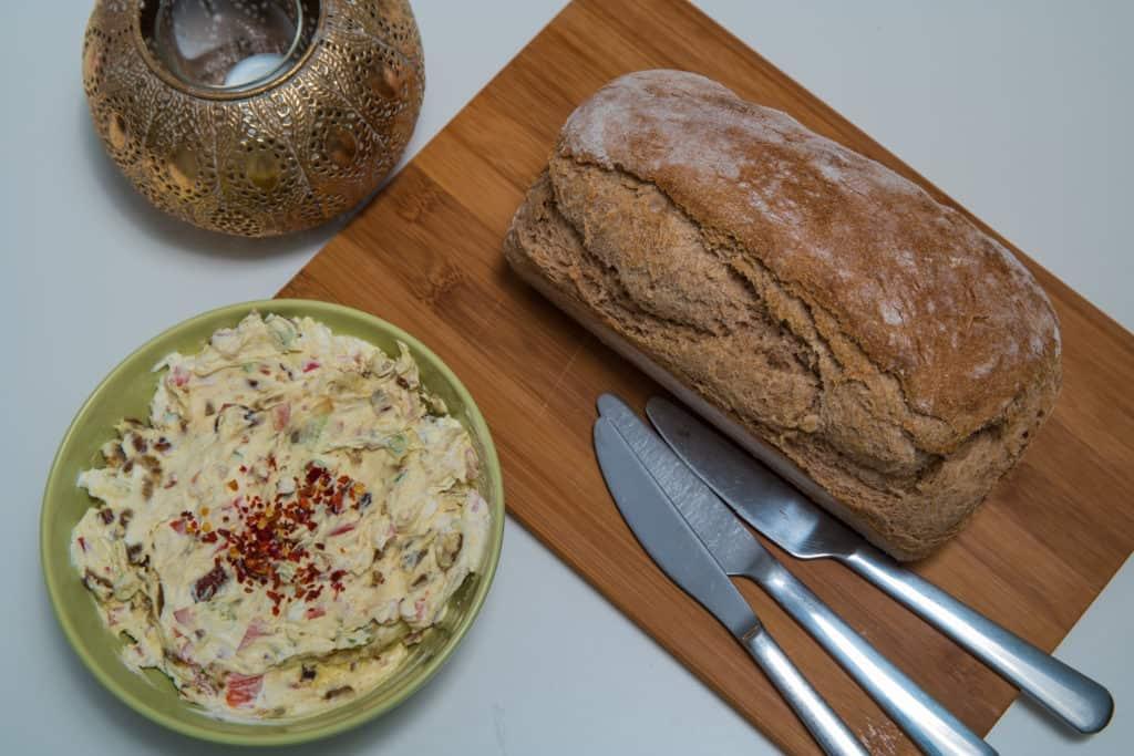 Das fertige Brot mit Vollkorn- und Dinkelmehl Rezept