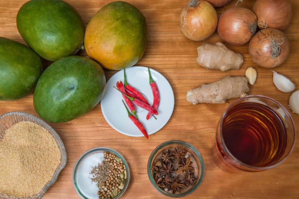 Zutaten für das DIY Mango-Chili-Chutney Rezept
