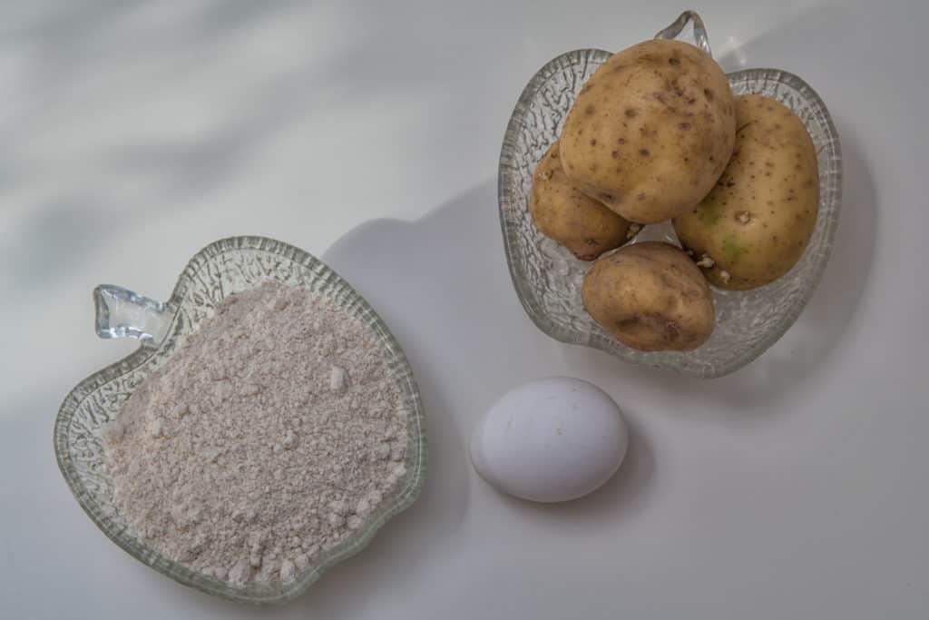 Zutaten für das Finnisches Kartoffel-Fladenbrot (Perunarieska) Rezept