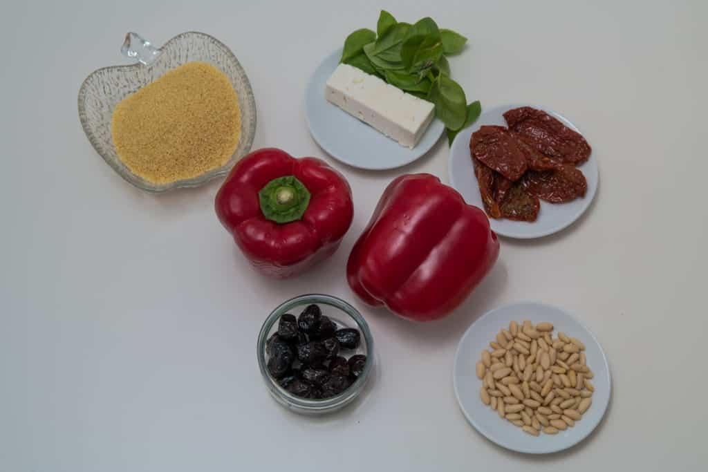 Zutaten für das Mit Feta und Couscous gefüllte Peperoni Rezept
