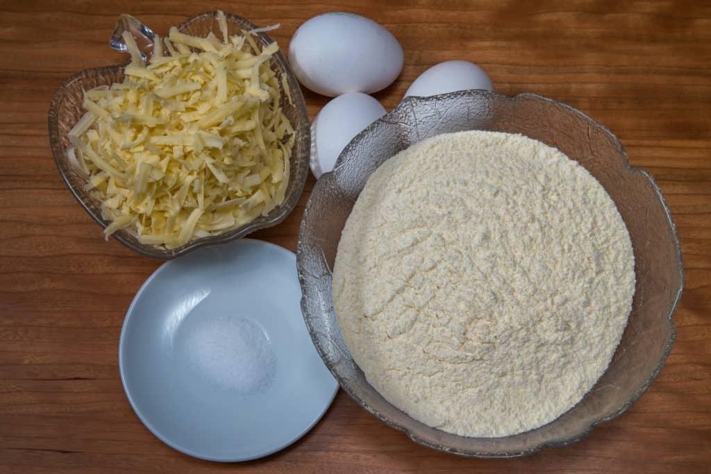 Zutaten für das Schweizer Chäschnöpfli Rezept