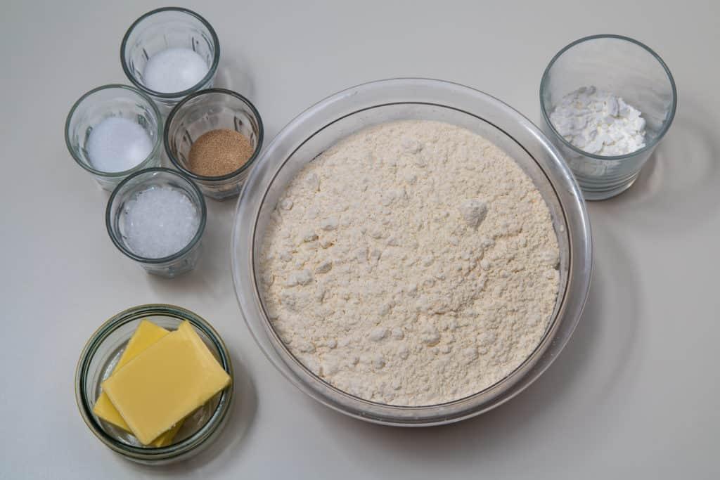 Alle Zutaten für das Silserli (Laugenbrötchen) Rezept