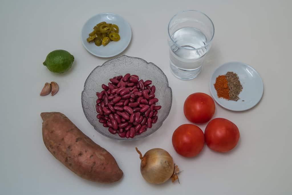 Zutaten für das Süsskartoffel und Bohnen Curry Rezept
