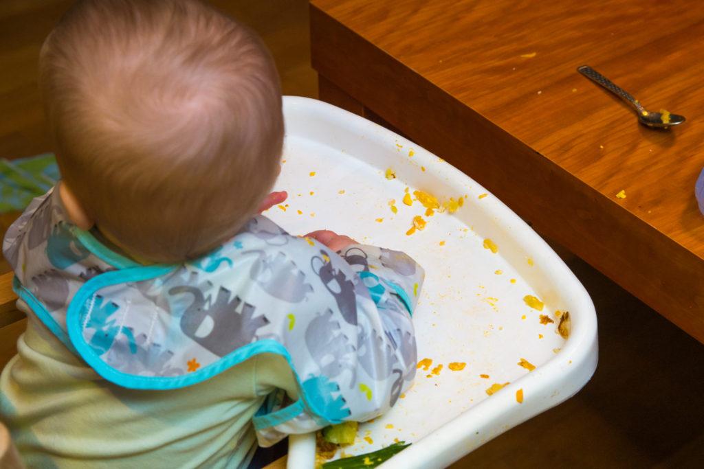 Das übrig gebliebene Chaos nach dem Baby-led weaning